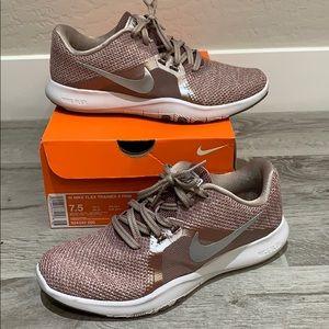 Nike Trainer 8 Training Shoe. Size 7.5